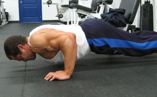 Bodyweight Push Ups For Building The Chest Muscles